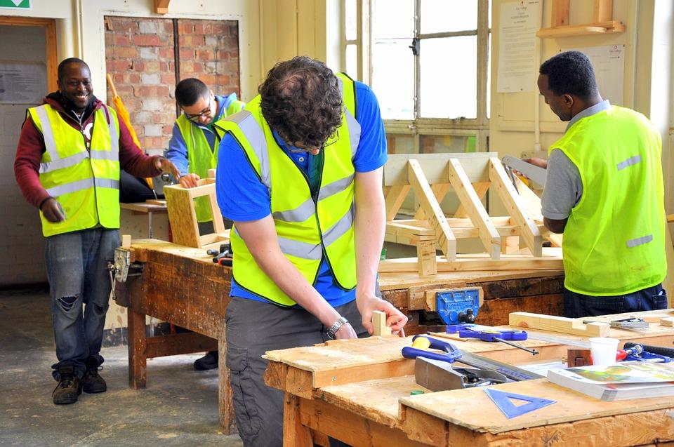 Quels sont les outils utilisés par un charpentier ?